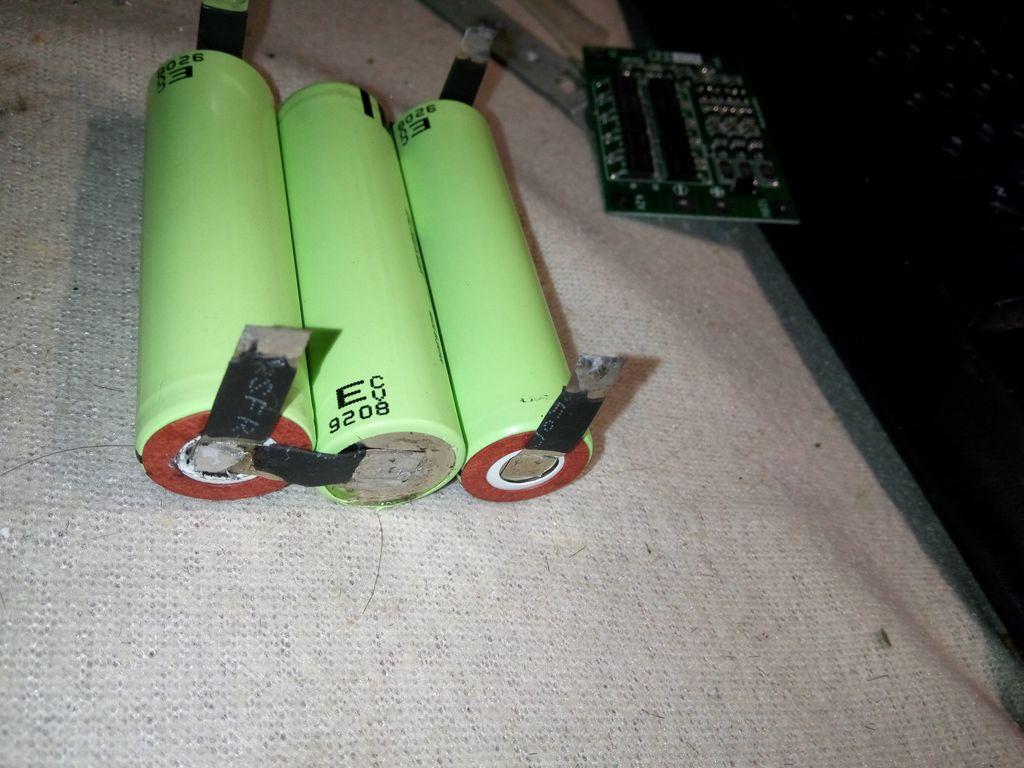Последовательное соединения литиевых батарей сторона 1