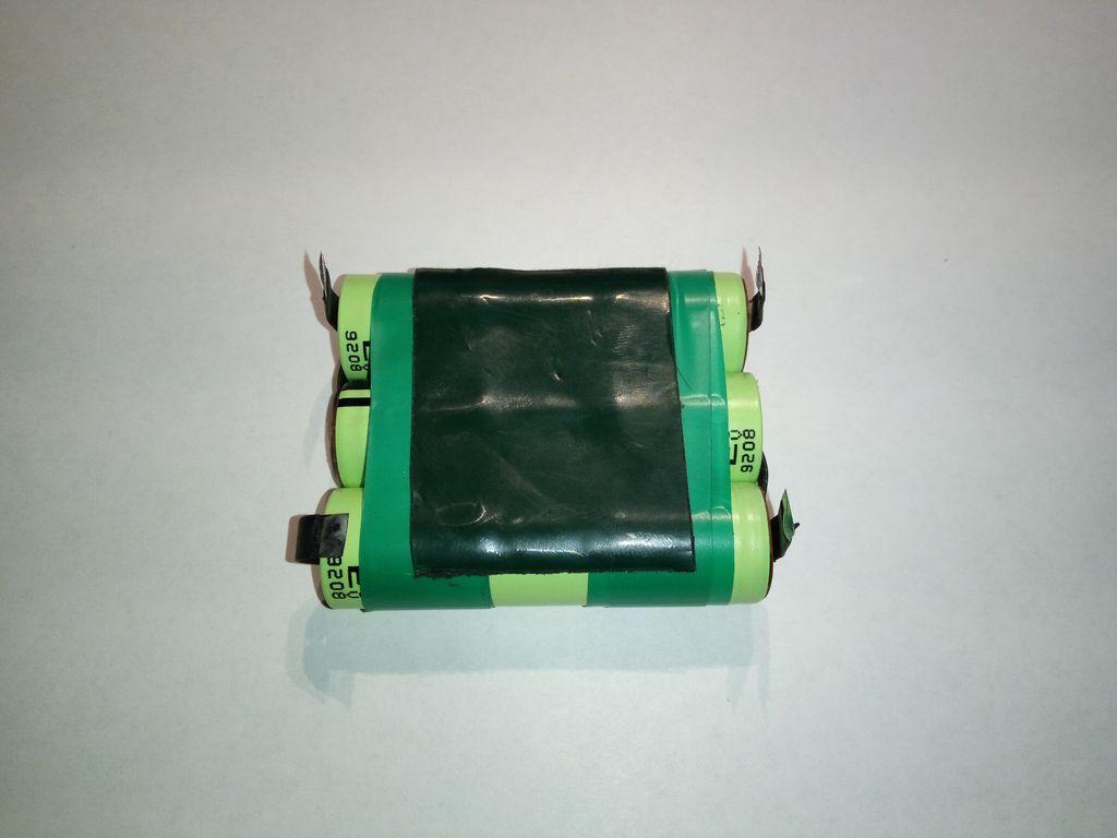 Скрепление изолентой литиевых батарей